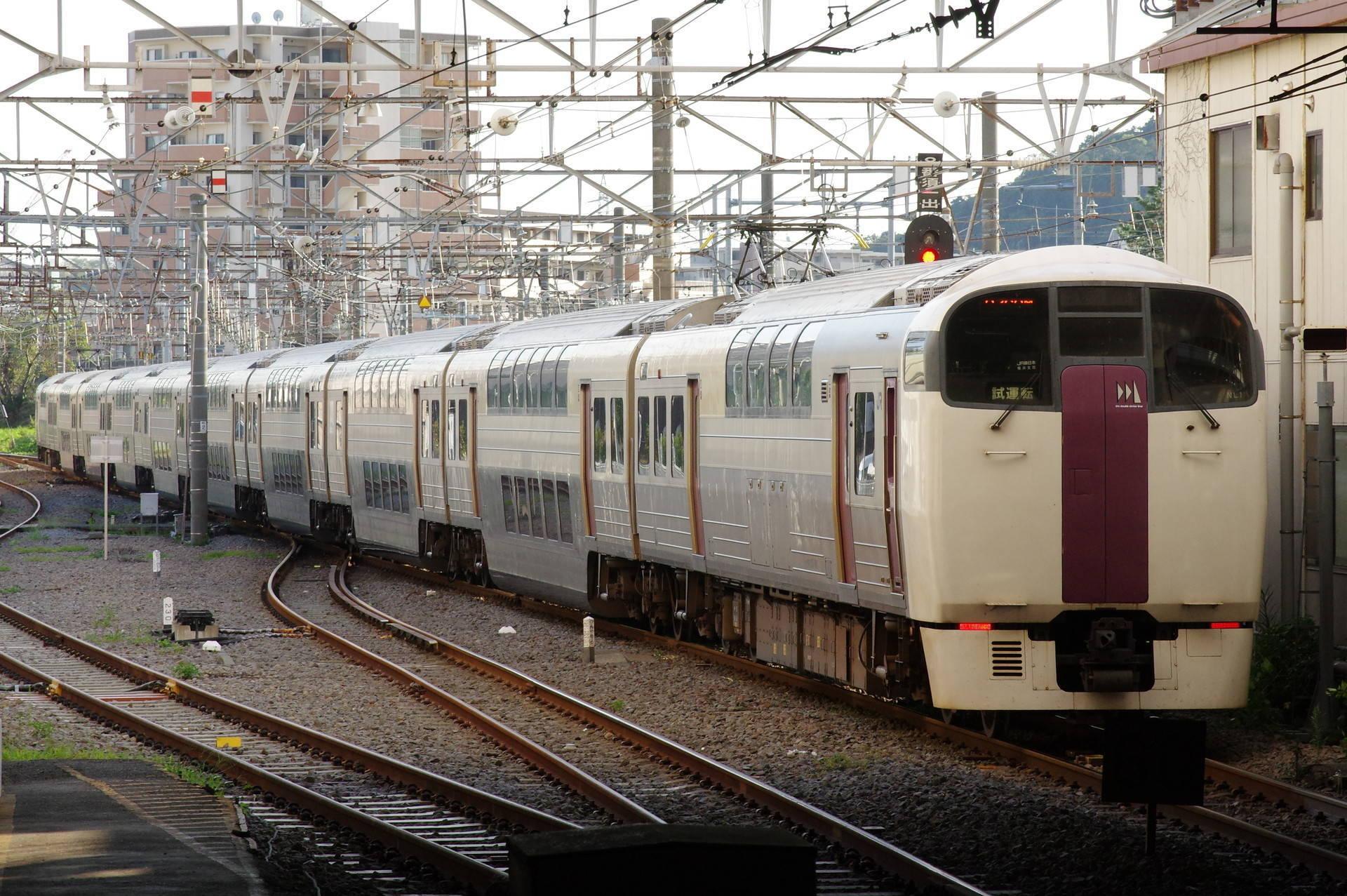 215系NL1編成の横須賀線試運転