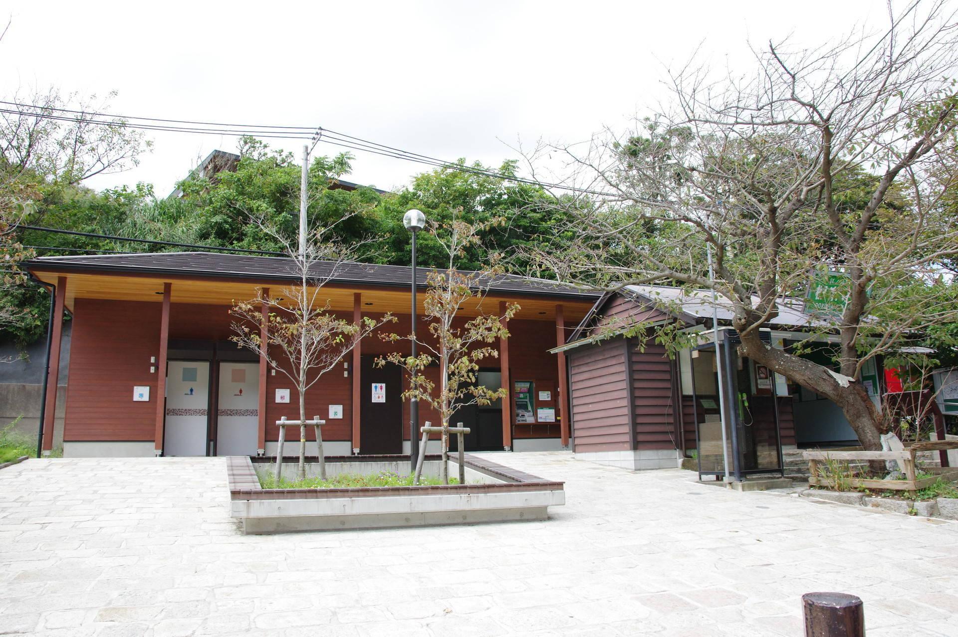 新駅舎と駅前広場