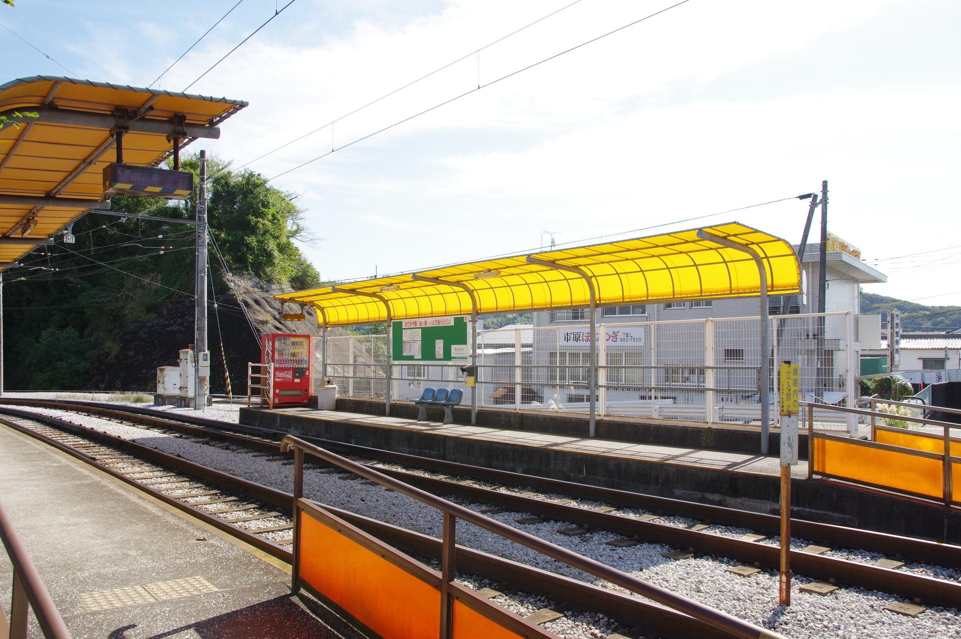 葛島橋東詰駅のホーム