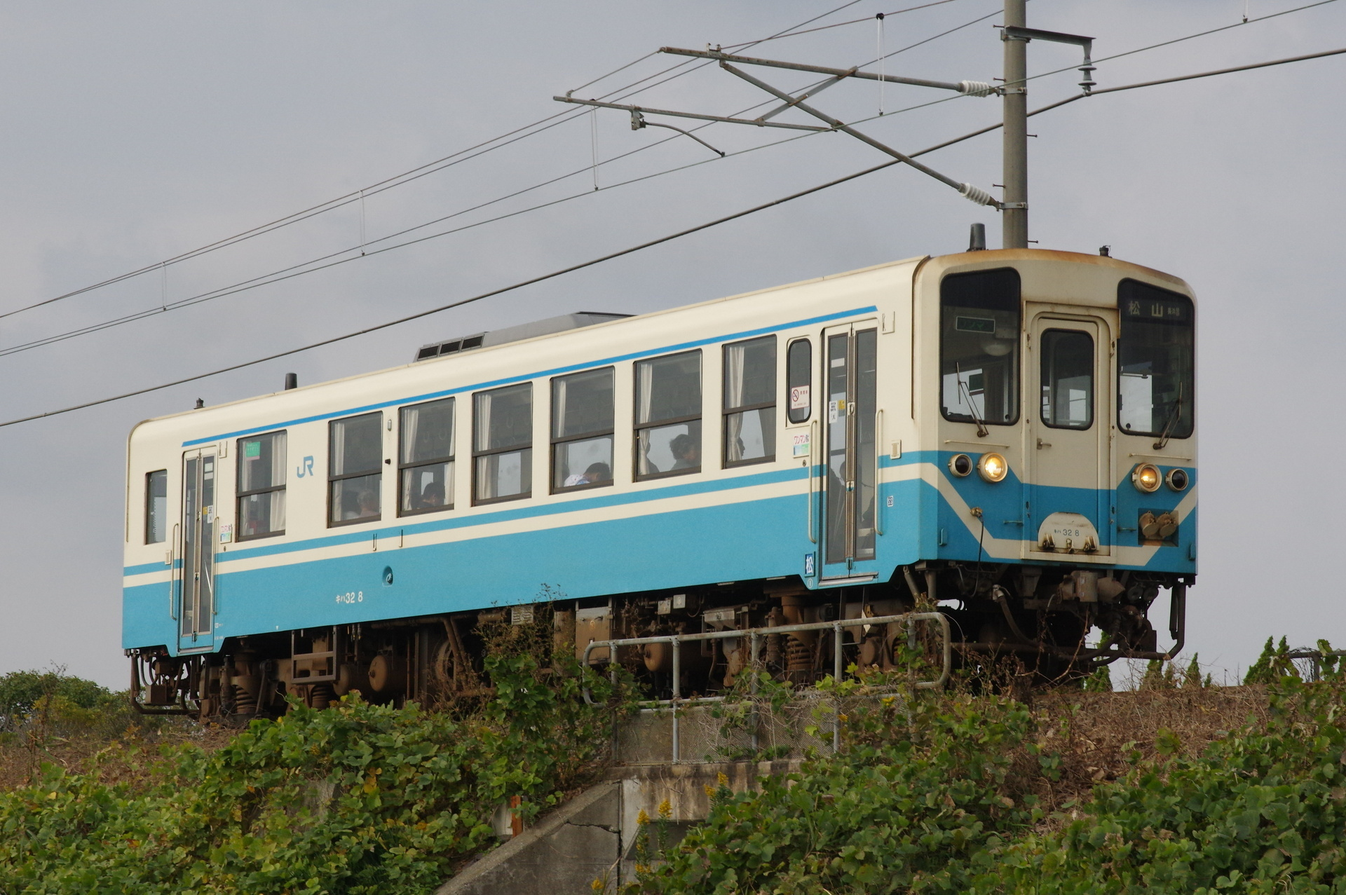 キハ32 8 松山行き(長浜経由)