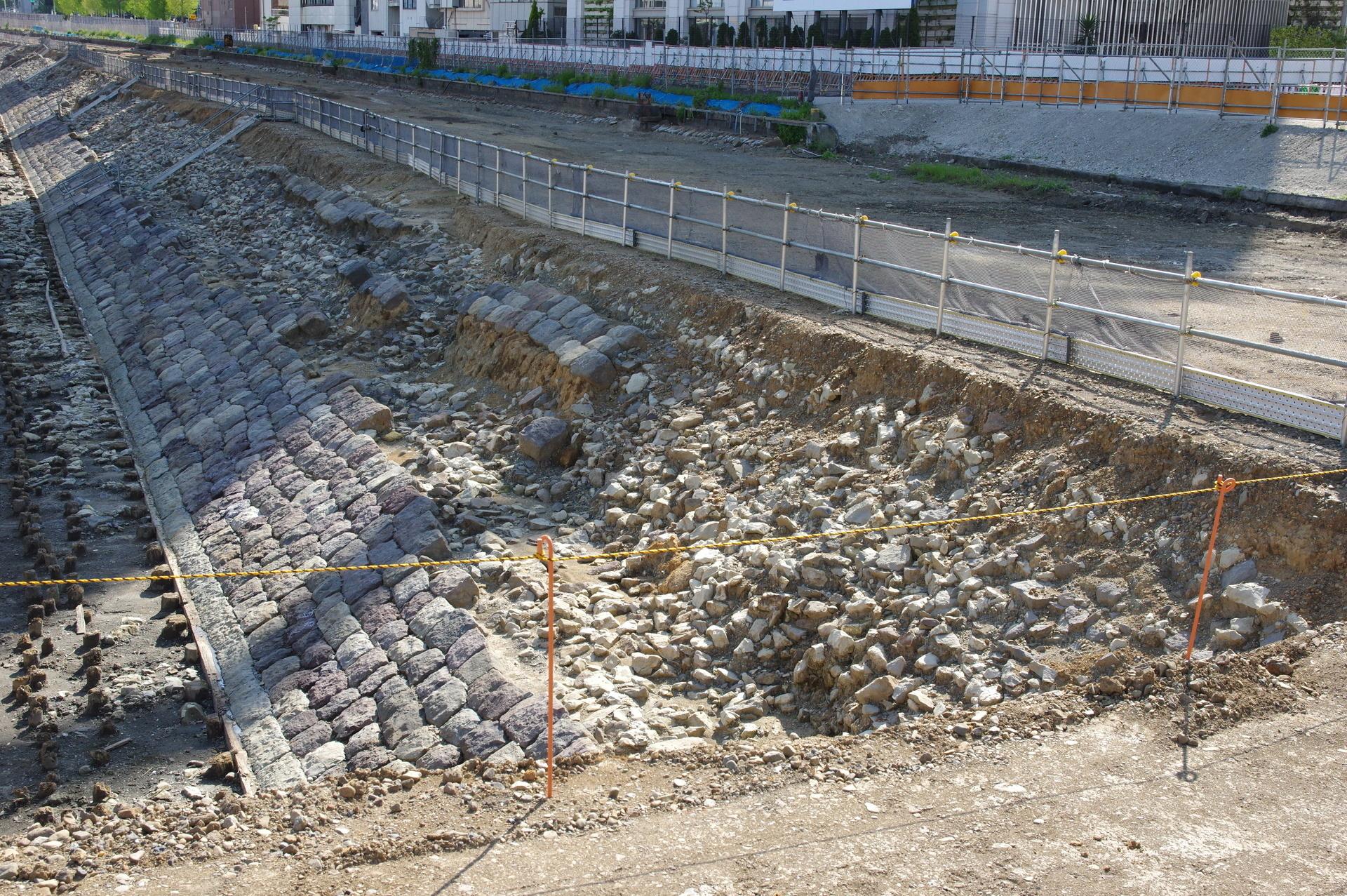 石垣が崩れている箇所