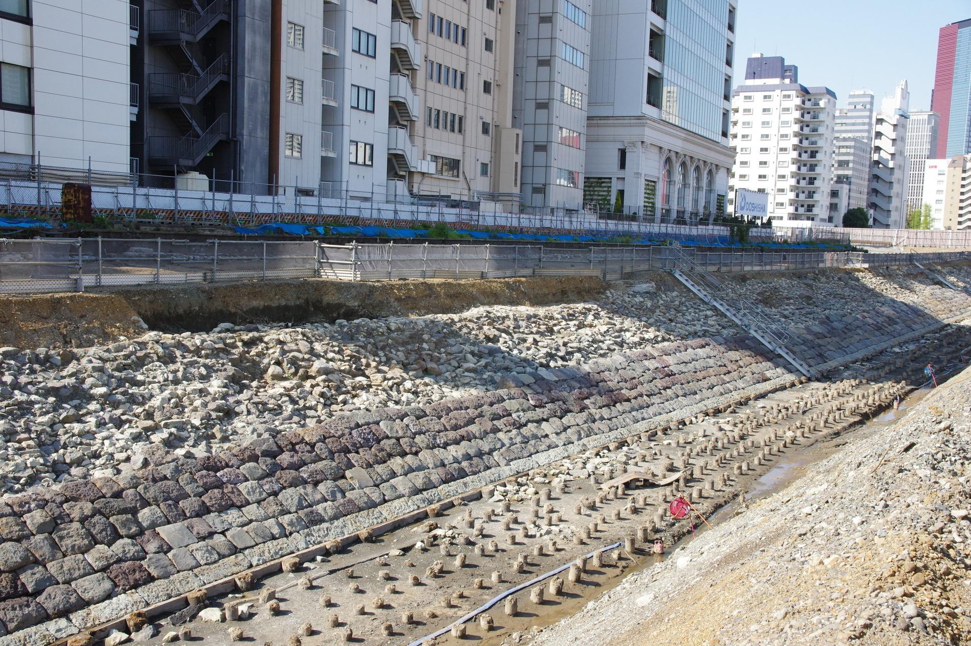 大野高輪ビル付近の石垣