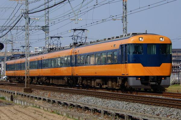 近鉄12200系のウソ電(あをによし顔)