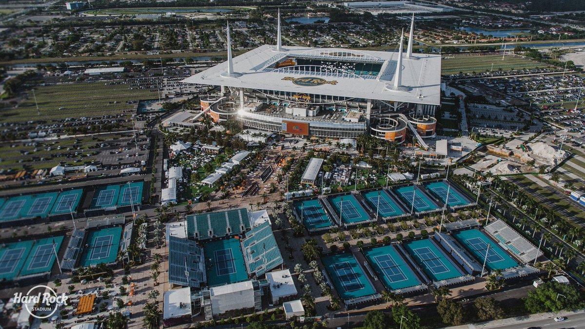 マイアミオープン試合会場のハードロックスタジアム(画像)