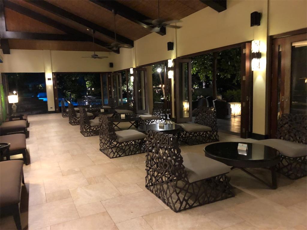 Two Seasons Coron  Island Resort&Spa(ツーシーズンズ コロンアイランド リゾート&スパ) バー