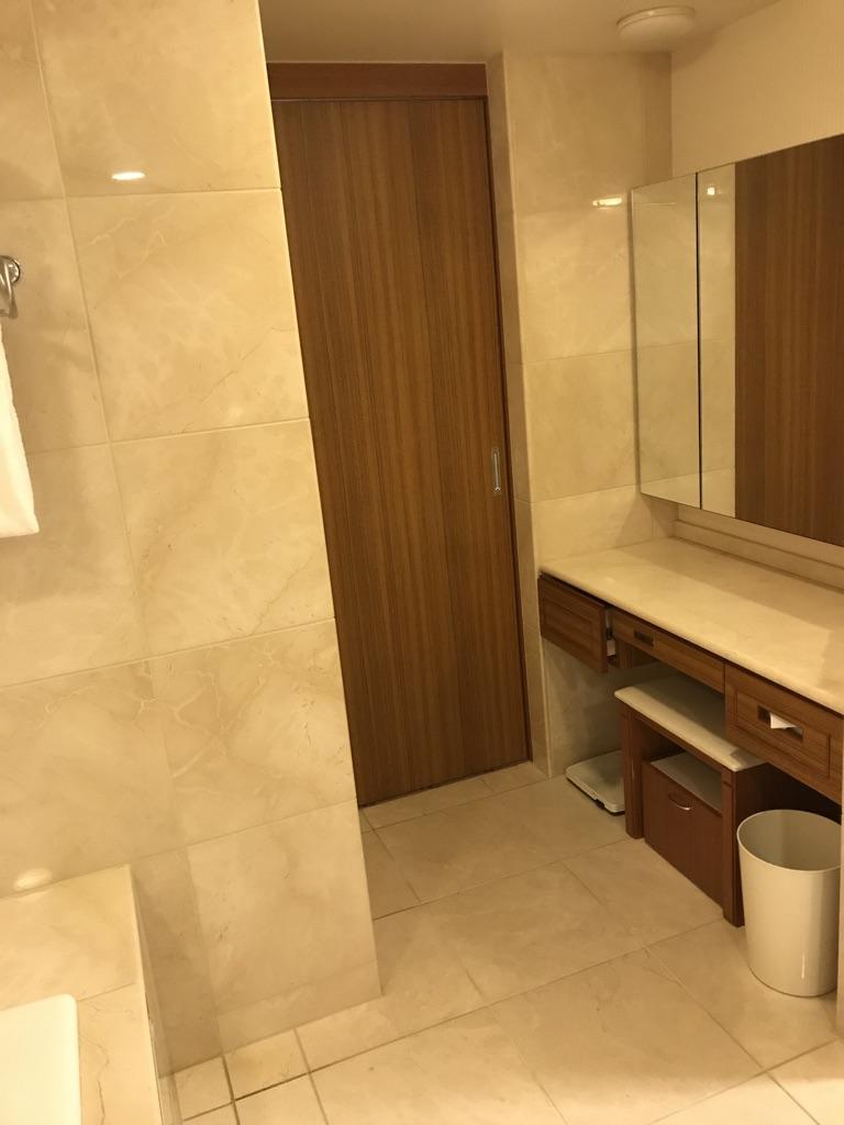 シェラトン・グランデ・トーキョーベイ・ホテル シェラトンクラスイートブルーム宿泊記 spg amex 特典