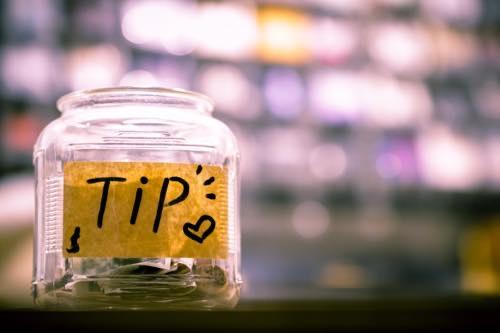 海外旅行 チップ いくら 相場 いつ渡す チップが必要な国 いらない国 体験談