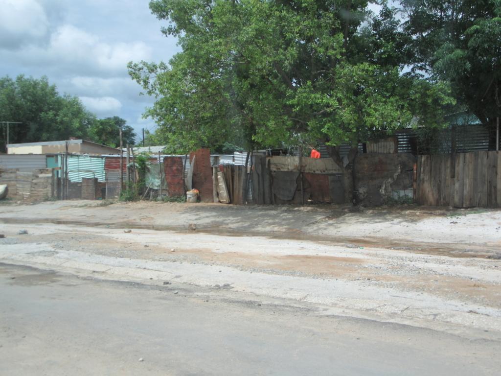 f:id:h283-namibia:20180329044859j:plain