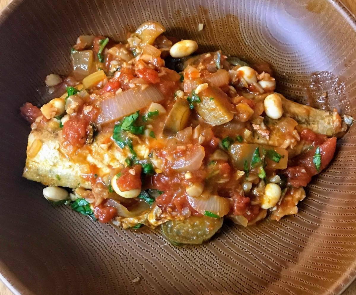 サバのトマト煮込み
