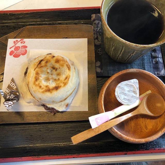 コーヒーと梅ヶ枝餅