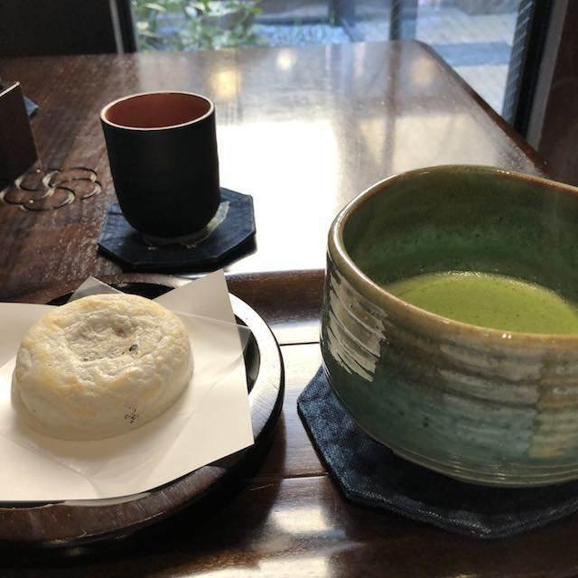 梅ヶ枝餅と抹茶のセット