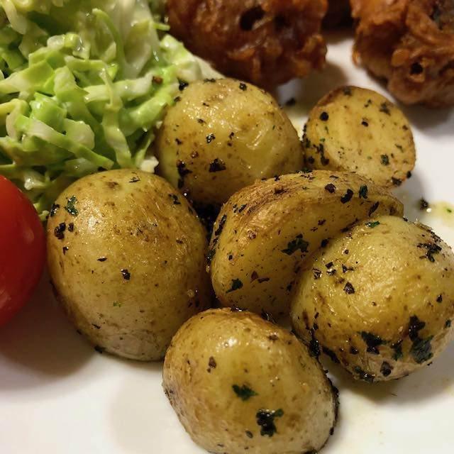 ジャガイモのパセリバター焼き