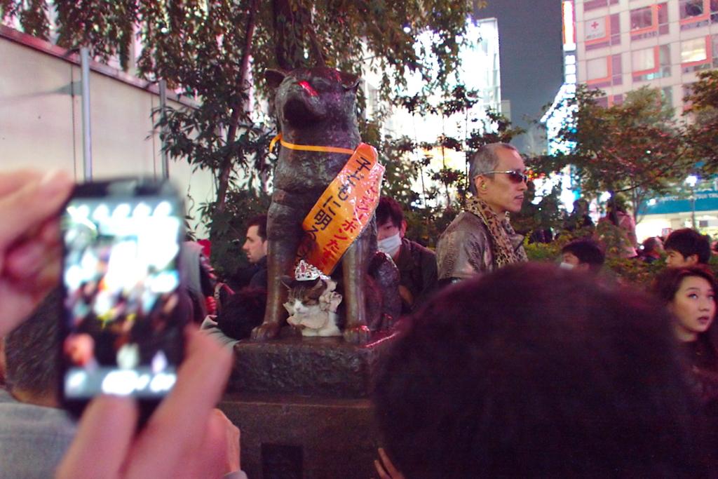 Hachiko-Halloween-pikotaro