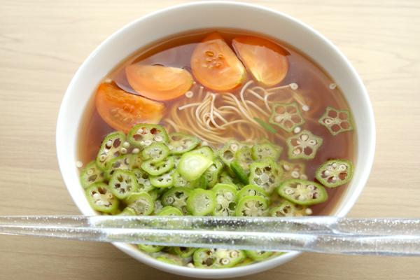 茹でない素麺夏野菜