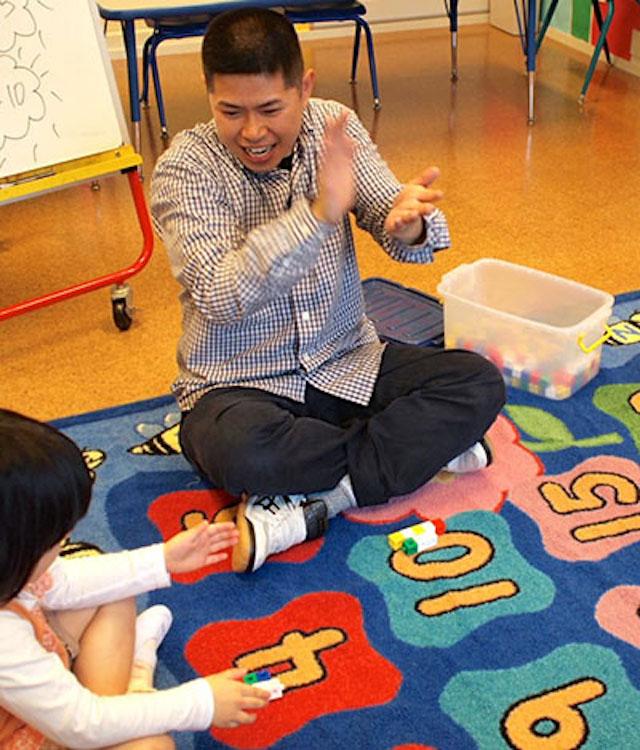 ENGLISH EXPRESS INTERNATIONAL SCHOOL - 美しが丘校の教師と園児