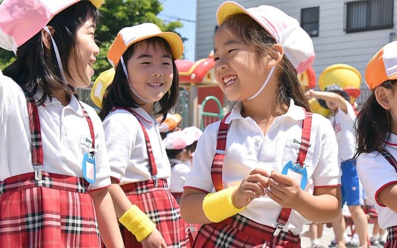 横浜黎明幼稚園 外での遊び
