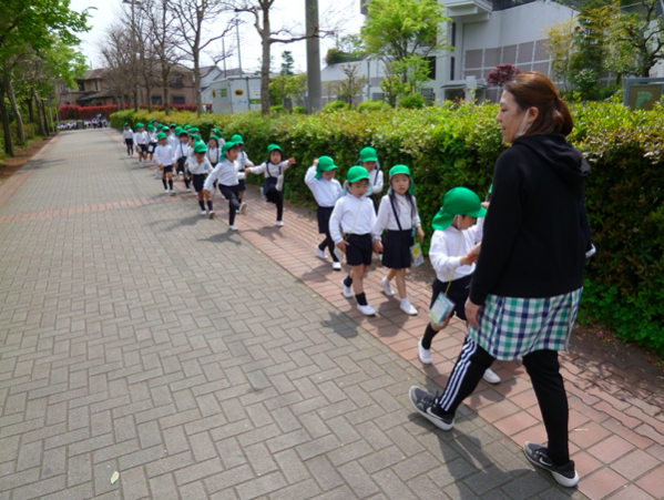 愛和のぞみ幼稚園遊歩道