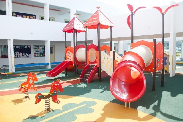 幼稚園 遊具
