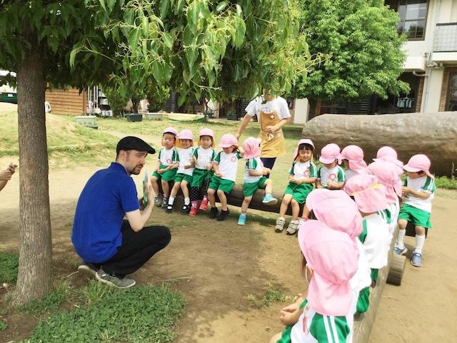 やまた幼稚園で英語を学ぶ児童たち