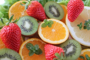 野菜とフルーツで楽しいスムージー