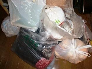 大量の可燃ゴミを捨てるのもこれが最後になるかな...