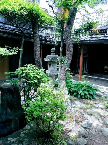 カフェ青の中庭