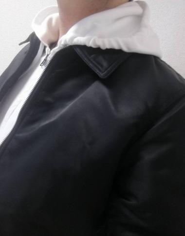 ユニクロ フライトジャケットブラック