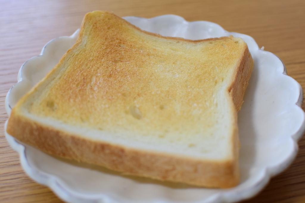 よつばパンのトーストした食パン