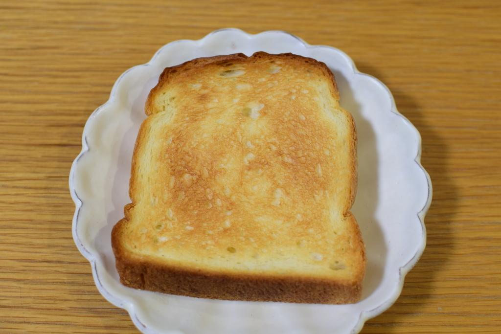 BAKERY M'sのトーストした食パン