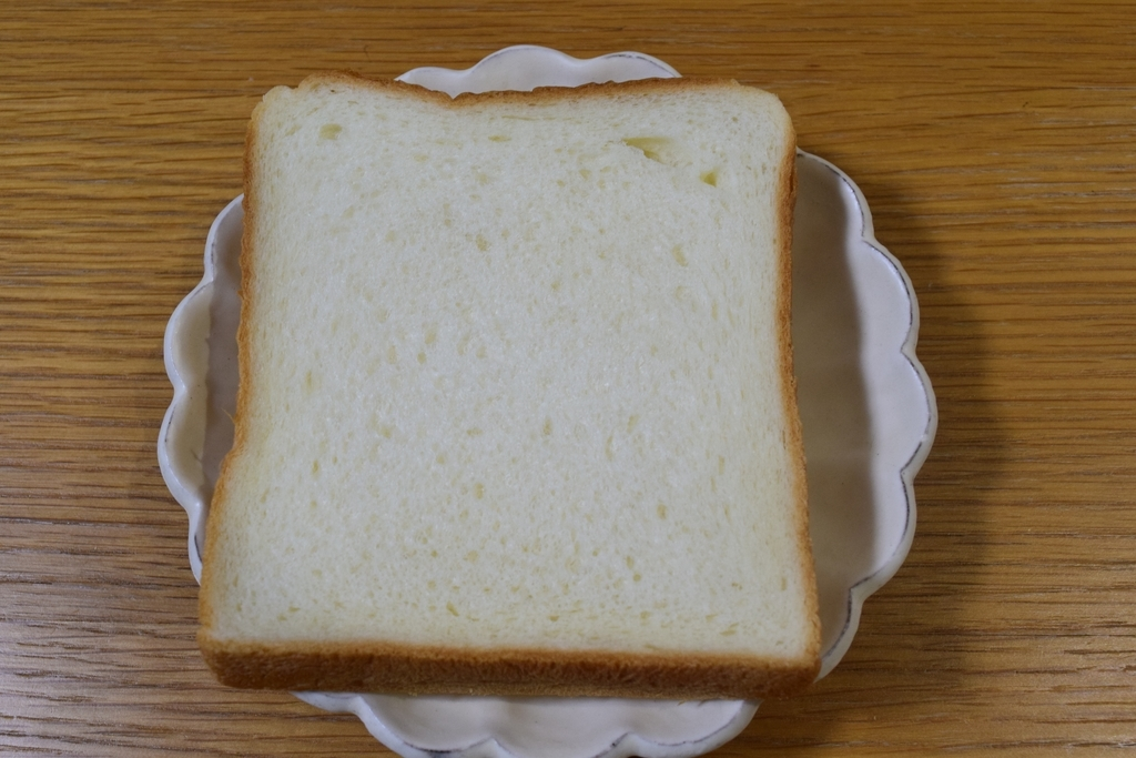 なないろぱんやの食パン