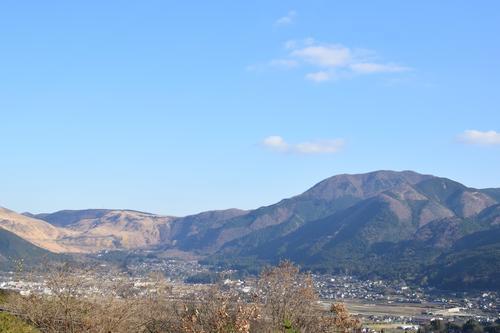 櫟の丘テラス席から見える湯布院の景色
