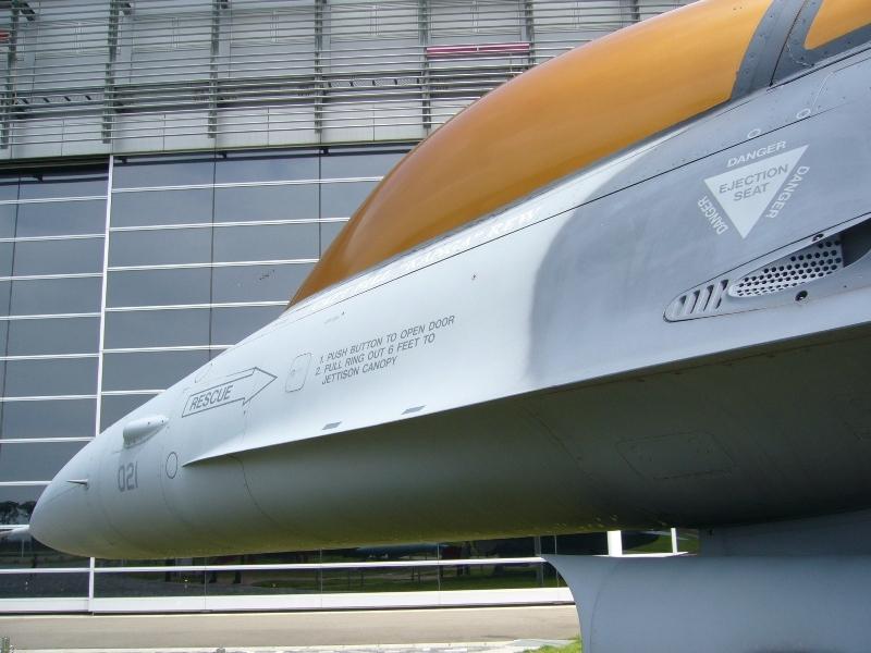 F 16 (戦闘機)の画像 p1_27