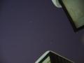 [宇宙][天文][雪]屋根の隙間からのオリオン座