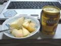 [食]桃とプレミアムモルツ