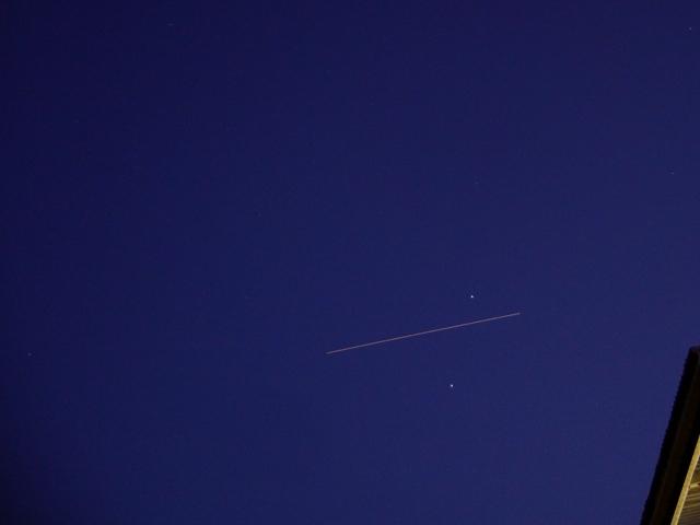 土星とスピカの間を通過するISS