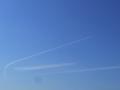 [空][飛行機]伸びる飛行機雲1