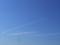 伸びる飛行機雲1