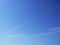 伸びる飛行機雲2