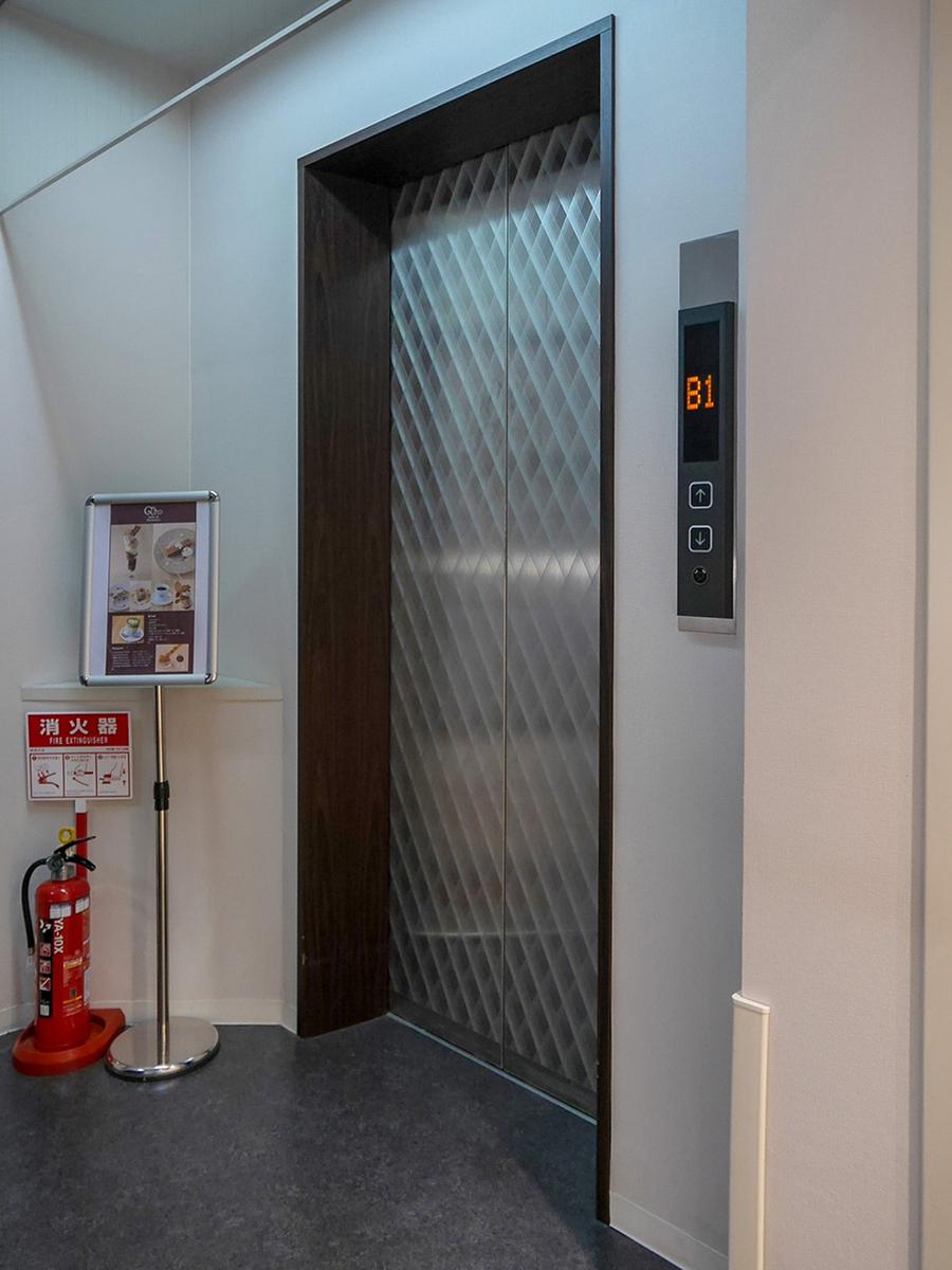 サロンドクルミッコ エレベーター