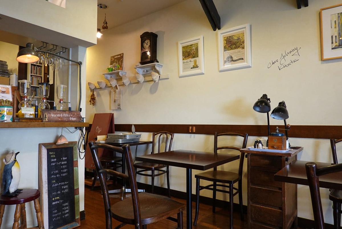 スリーペンギンズ コーヒー&ロースター店内