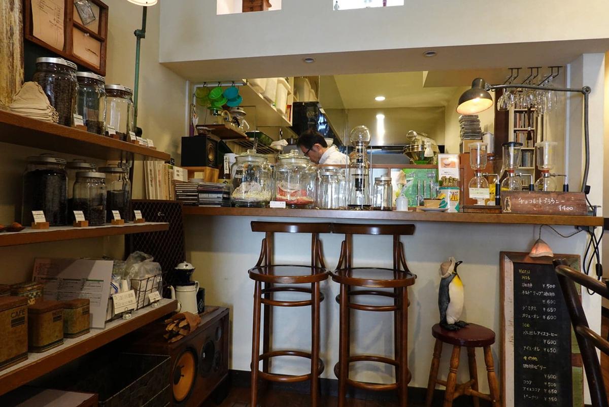 スリーペンギンズ コーヒー&ロースター 店内