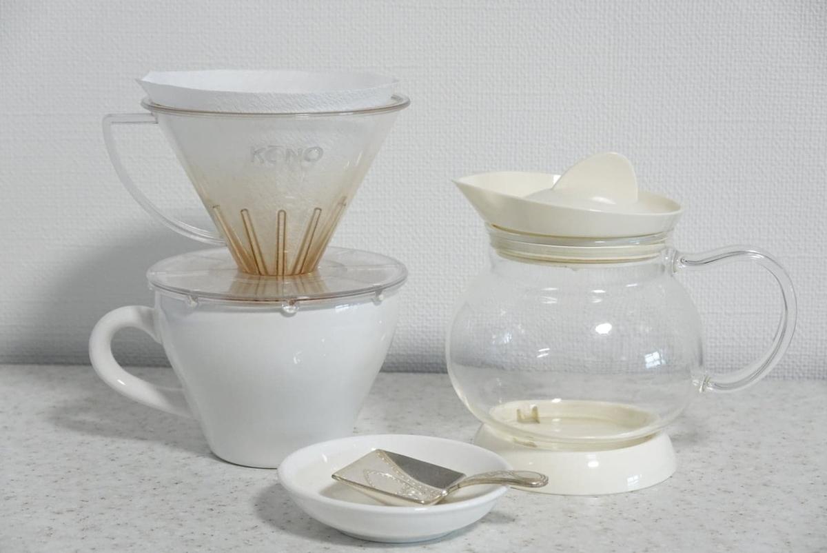 紅茶を淹れる道具