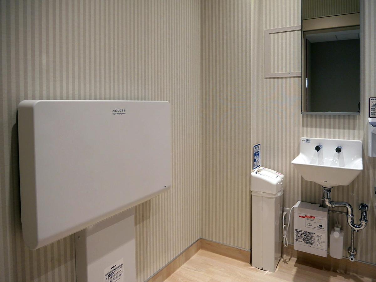 8階の多目的トイレ