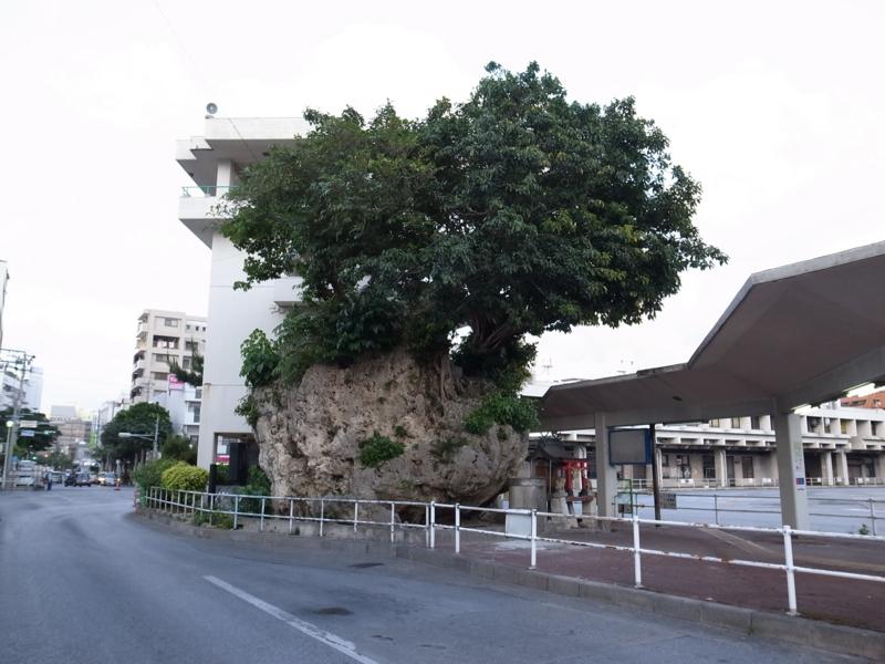 仲島の大石1