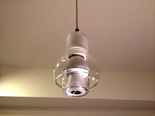 ソニー LED電球スピーカー をペンダントライトに設置1