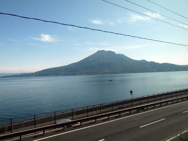 車窓からの桜島