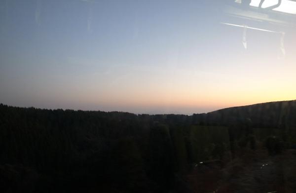 車窓から見る霧島高原