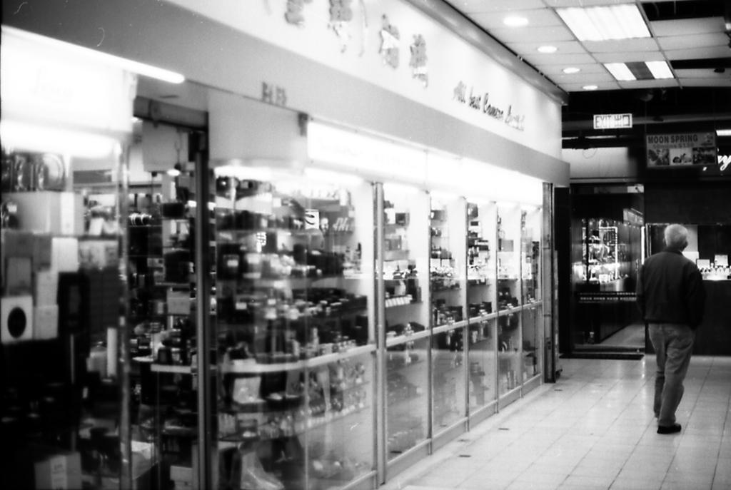 香港 中古カメラ屋2