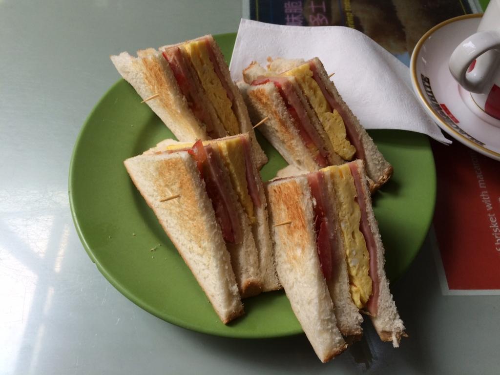 美都餐室(MIDO CAFE)クラブハウスサンドイッチ