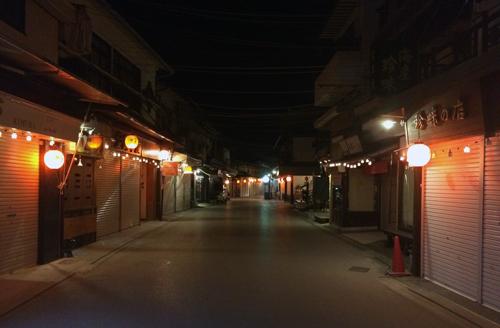 夜の宮島参道